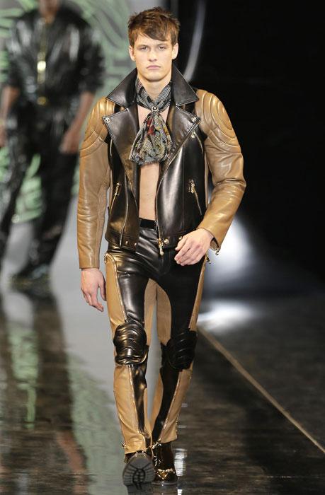 Bomber e pantaloni in pelle Versace