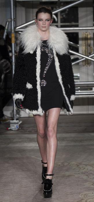 Cappotto su mini dress Moschino Cheap and Chic