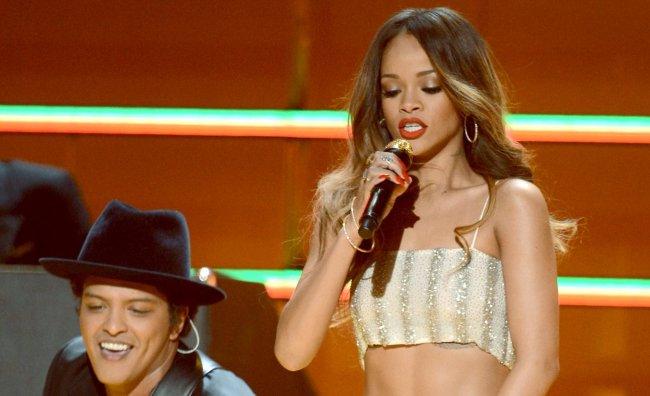 Rihanna veste Luciano Soprani per i Grammy