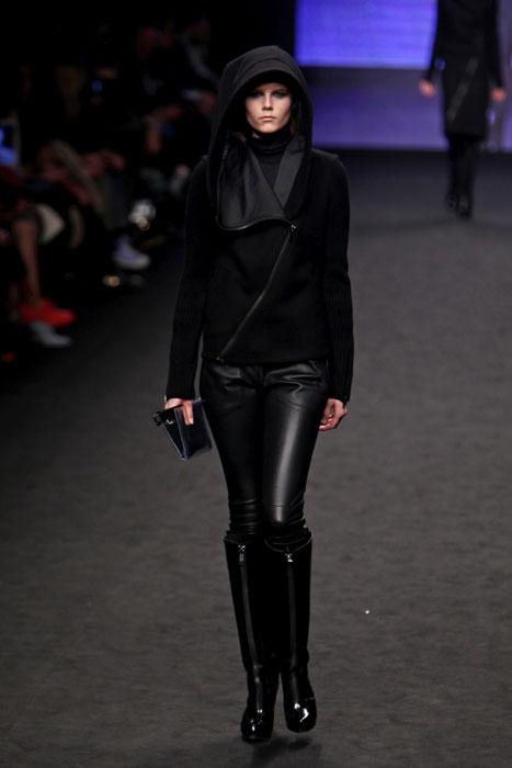 Pantaloni in pelle e giacca con cappuccio Cnc Costume National