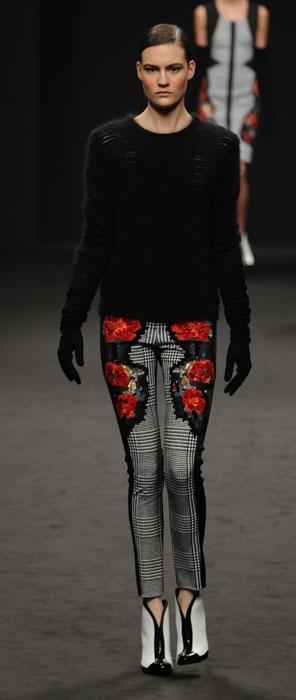 Pantaloni e maglia Angelo Marani