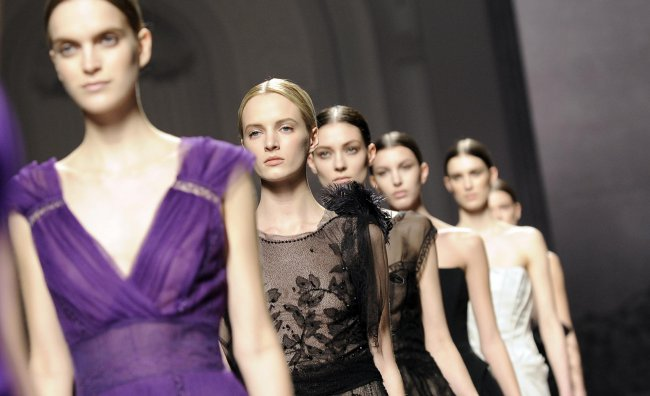 sfilata milano moda donna 2012