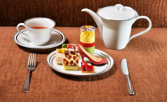 Jimmy Choo servizio tè