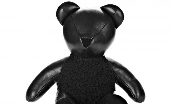 L'orsacchiotto nero di Alexander Wang