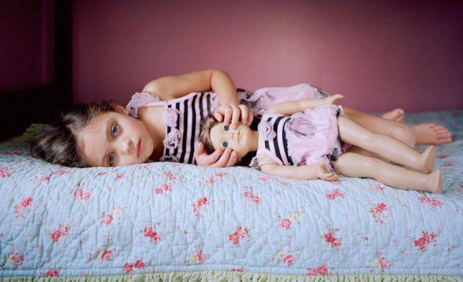 American Girls: le donne-bambine di Ilona Szwarc