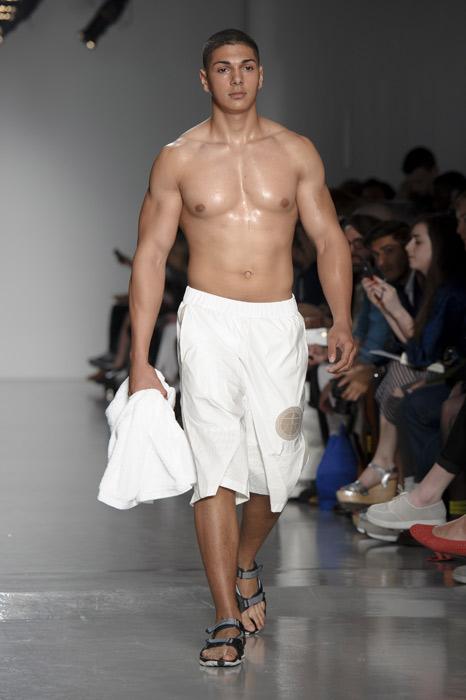 Estremamente A Londra sfila la moda uomo - www.stile.it AK98
