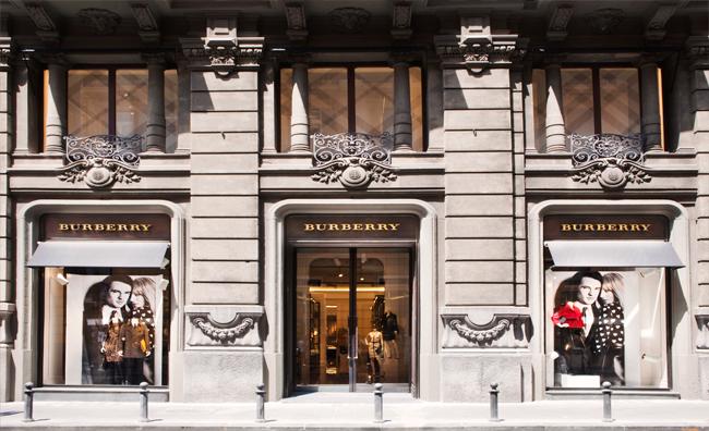 Burberry apre la sua prima boutique a Napoli