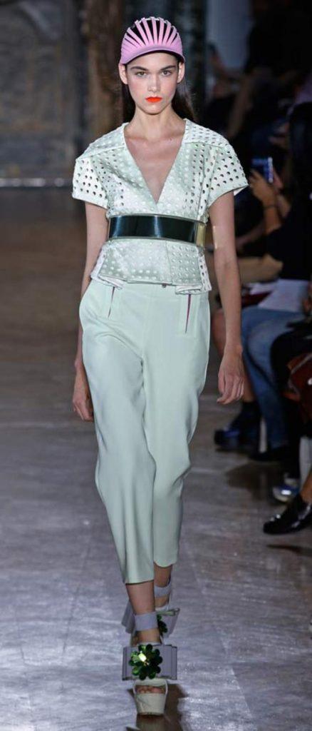 Blusa e pantaloni John Galliano