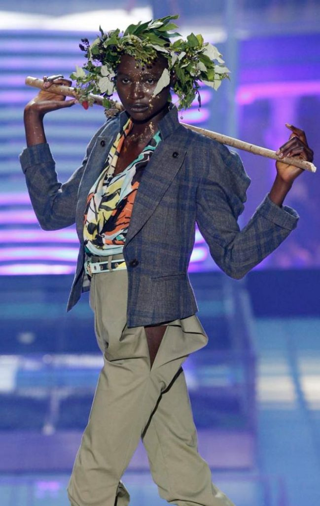 Giacca, top e pantaloni Vivienne Westwood