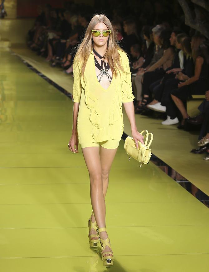Shorts e blusa Versace