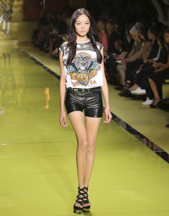 Shorts e t-shirt Versace