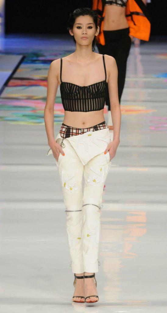 Top e pantaloni bianchi Just Cavalli