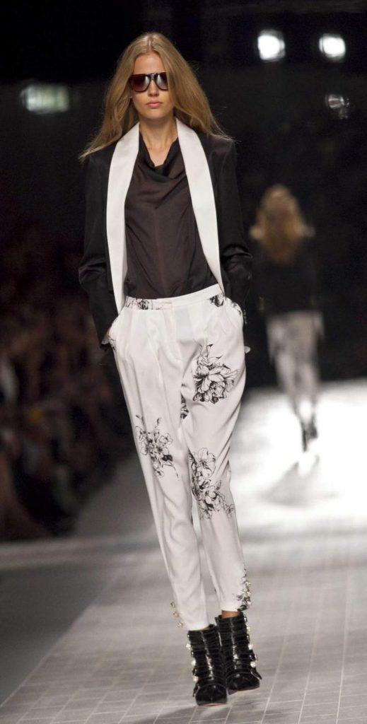 Pantaloni e blusa Blumarine