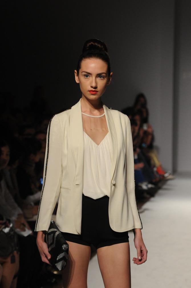Shorts, giacca e top Paola Frani