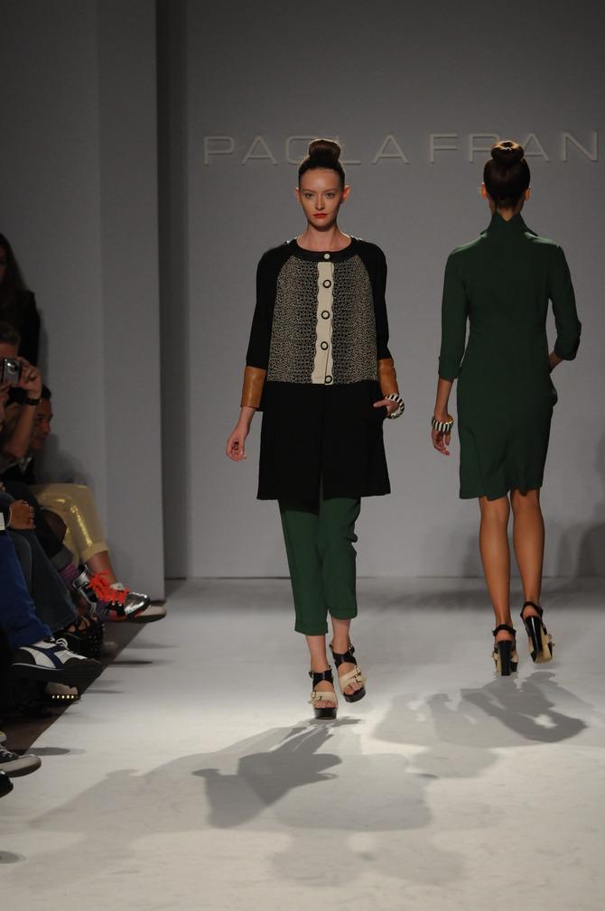 Cardigan e pantaloni Paola Frani