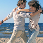 Pesci, danzando sulla spiaggia