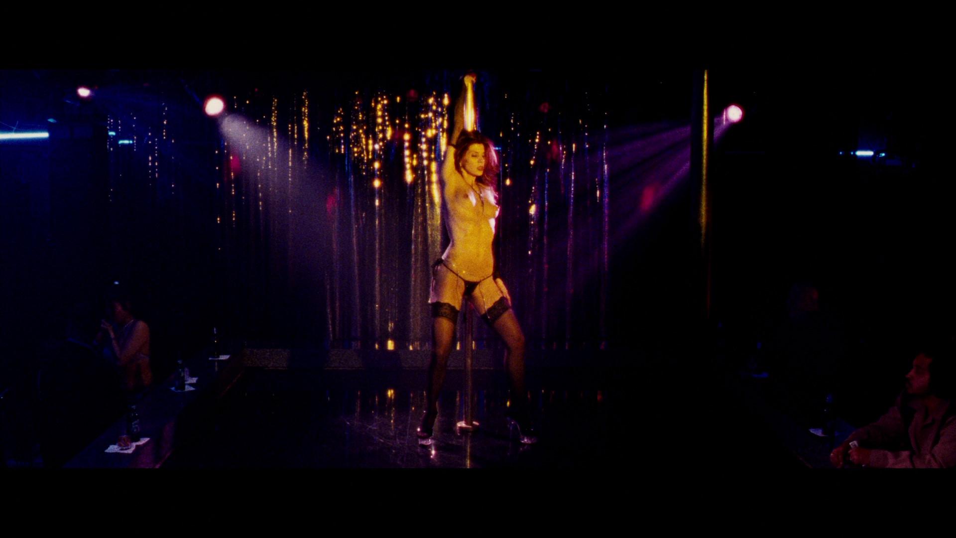i dieci striptease che hanno fatto la storia del cinema