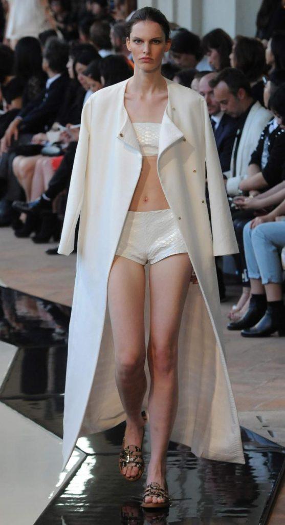 Shorts, top e coat Trussardi