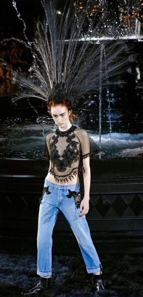 Il pavone nero dall'animo rock di Louis Vuitton