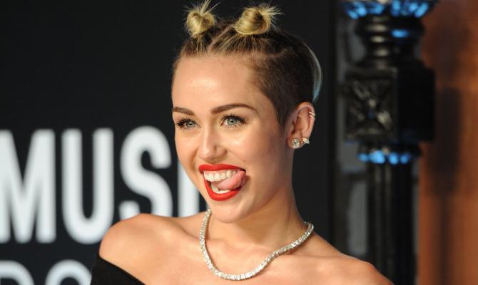 Miley Cyrus maschera