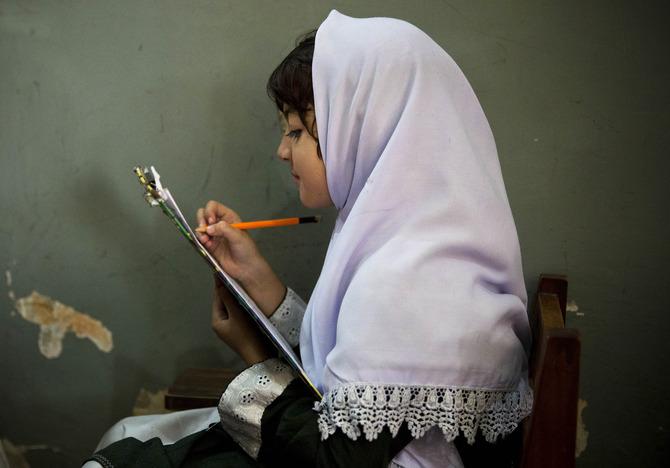 Bambina in una scuola della Swat Valley