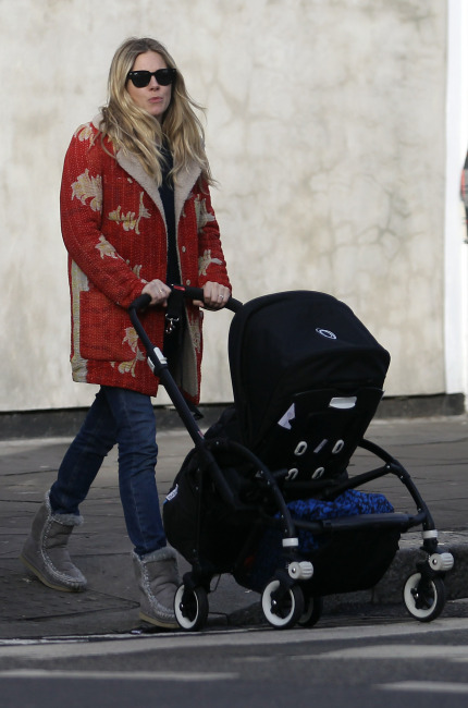 Sienna Miller, mou boots