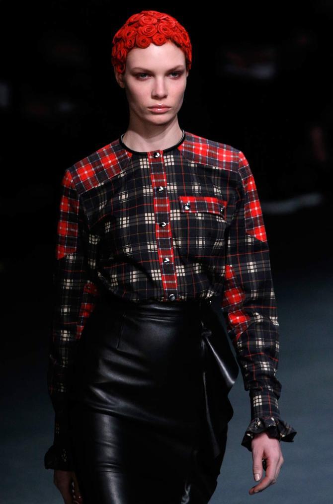 Camicia e gonna Givenchy