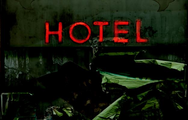 Insegna Hotel da brivido