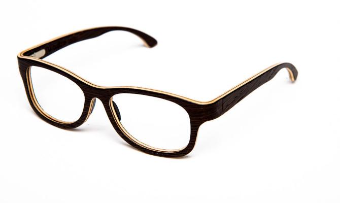 Il Made in Italy rivive nella moda eco-chic dell'occhiale in legno