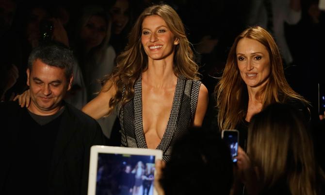 A Sao Paulo sfila la moda brasiliana