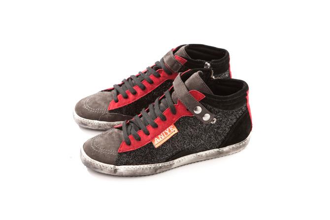 Sneaker Aniye By
