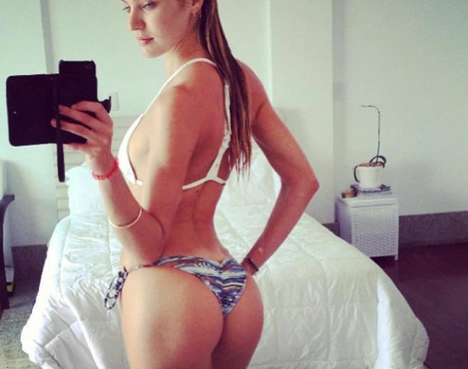 Selfie Candice Swanepoel