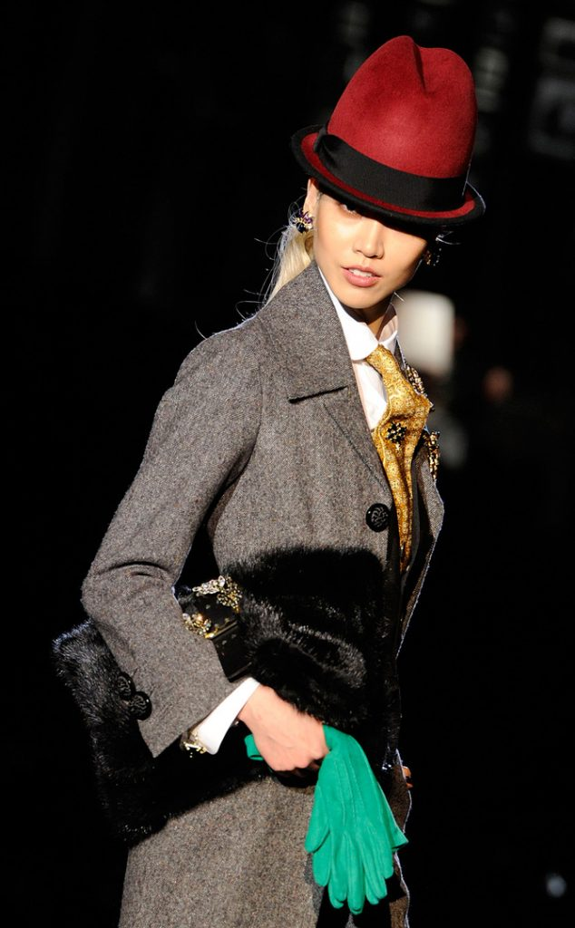 Look Dsquared2