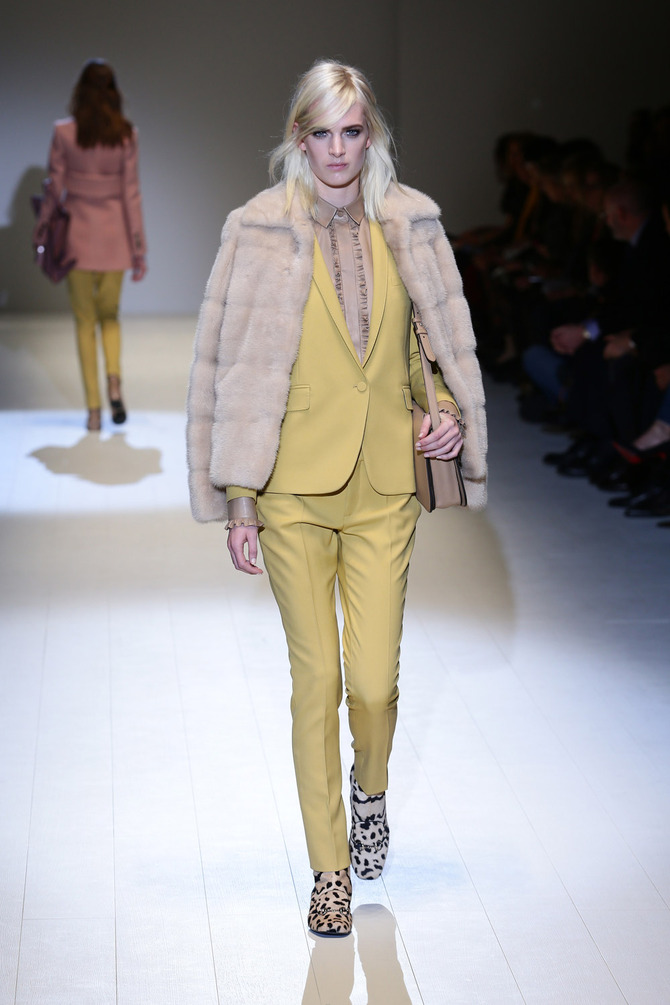 Pelliccia, giacca e pantaloni Gucci