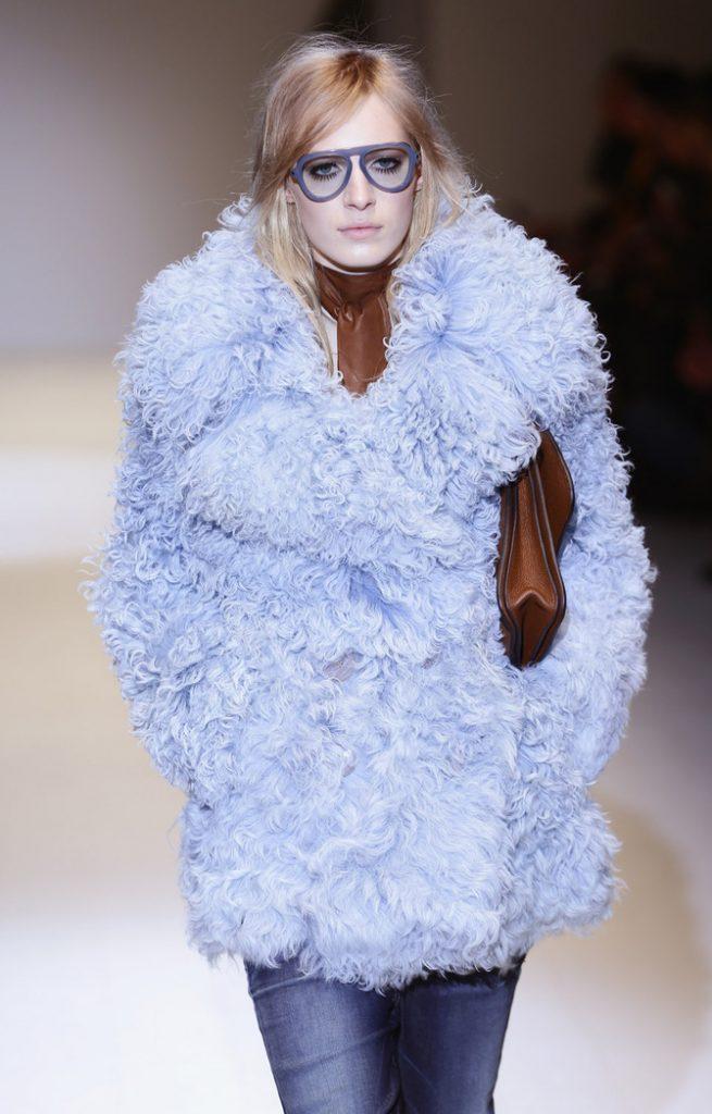 Pelliccia, pantaloni e accessori Gucci