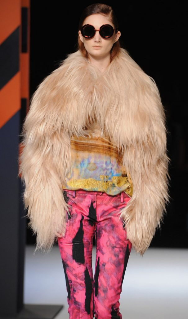 Giacca di pelliccia e pantaloni Just Cavalli