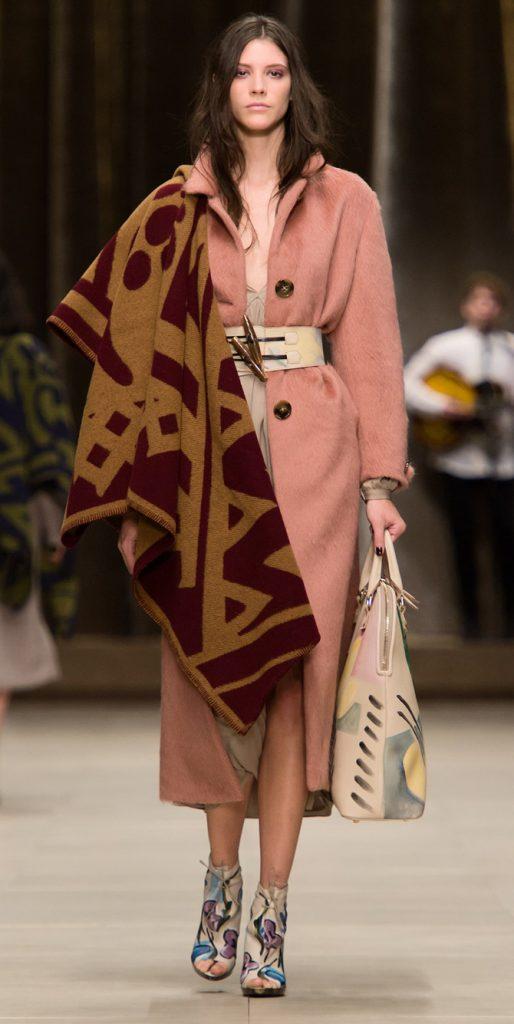 Poncho, cappotto e abito Burberry Prorsum