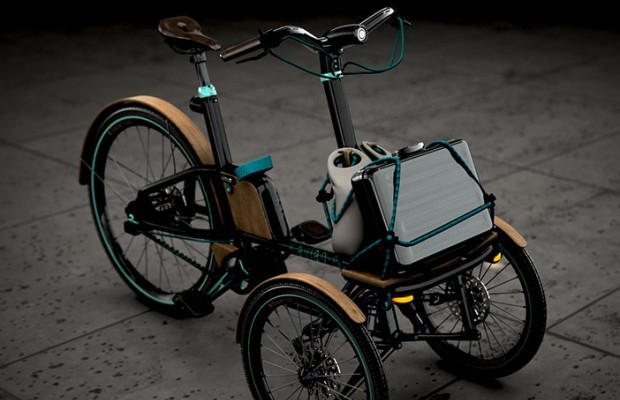 veicolo a pedali con tre ruote