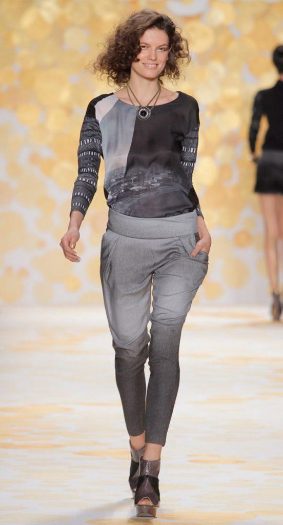 Pantaloni e blusa Desigual