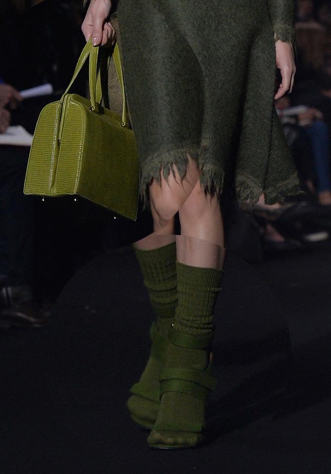 Borsa a mano e sandali Alberta Ferretti