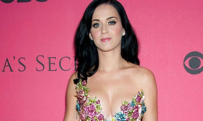 Katy Perry stilista di gioielli fast-fashion