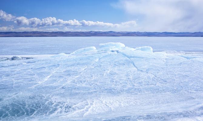 Acque gelate Lago Baikal