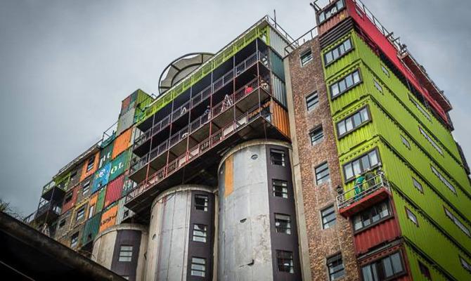 Vivo su un silos, ma di tendenza