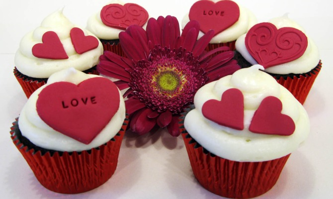 Basta un poco di zucchero: cupcakes d'amore