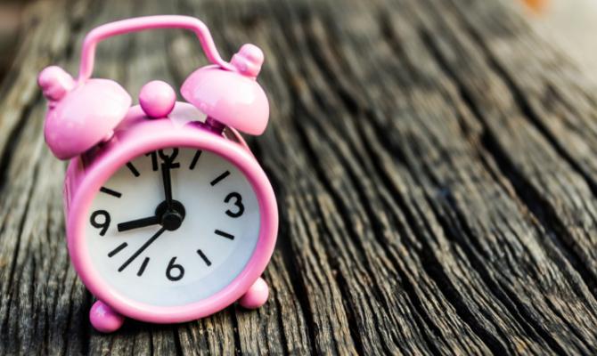 Mano agli orologi, torna l'ora legale