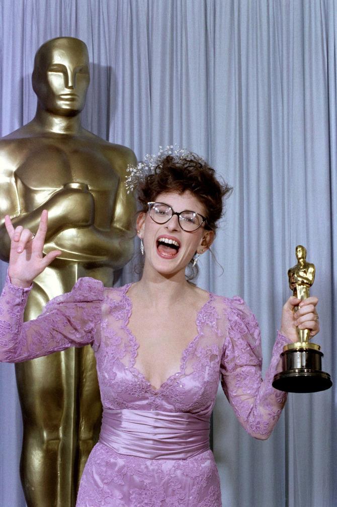 Marlee Matlin con l'Oscar