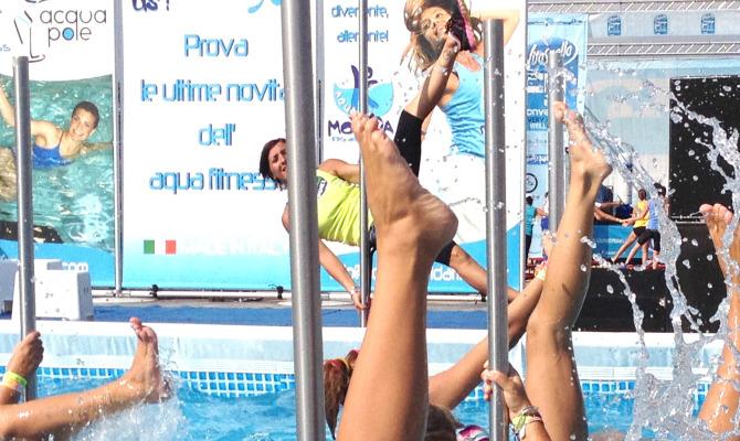 Acqua Pole Gym, la sensualità si tuffa in piscina