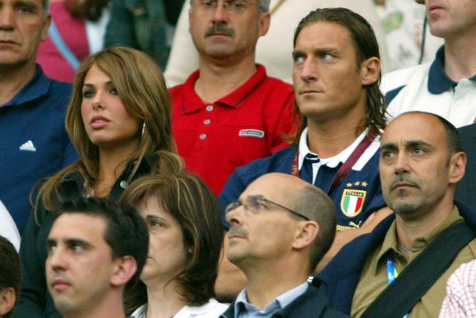 Ilary e Totti allo stadio