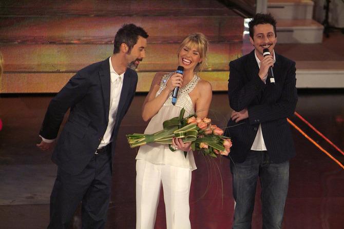 Ilary Blasi con Paolo Kessisoglu e Luca Bizzarri
