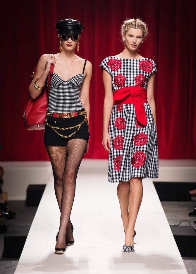 Navy e pin-up  la moda torna agli anni  50 - www.stile.it 6cf4540b219